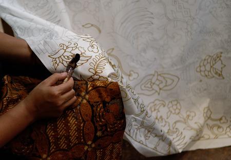 batik: faisant un batik Banque d'images