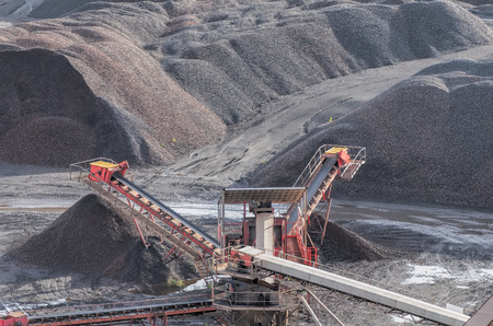 shale: shale pit and conveyor belts Editorial