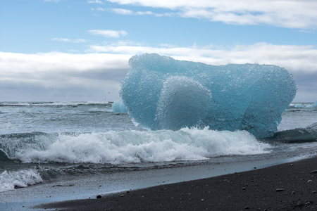 The beach in Jokulsarlon
