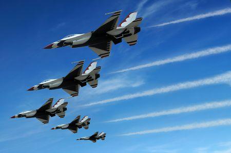 formations: Militaire straal jager zijn tijdens de demonstratie