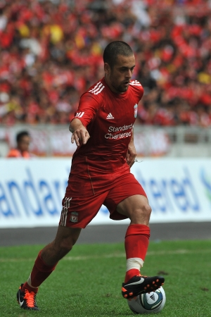KUALA LUMPUR - JULY 16 : Liverpool player Joe Cole during a friendly match against Malaysia on July 16, 2011 in Kuala Lumpur, Malaysia. Liverpool won 6-3.
