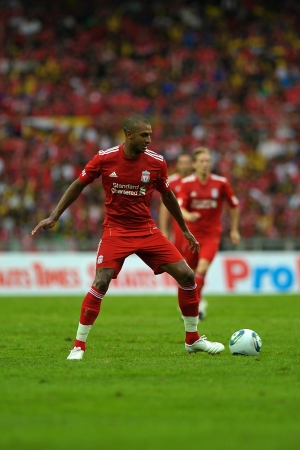 KUALA LUMPUR - JULY 16 : Liverpool player David Ngog during a friendly match against Malaysia on July 16, 2011 in Kuala Lumpur, Malaysia. Liverpool won 6-3. 報道画像