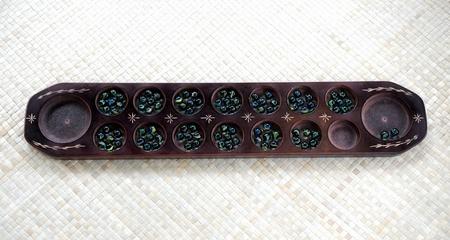 藁のマットに木製コンカ ボード