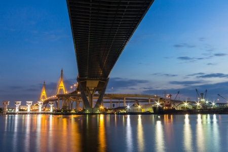 Bhumibol Bridge photo