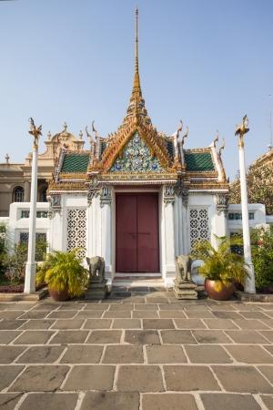 the gate in Wat Phra Si Rattana Satsadaram