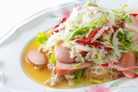 sen:  Yum woon sen   Spicy noodle salad