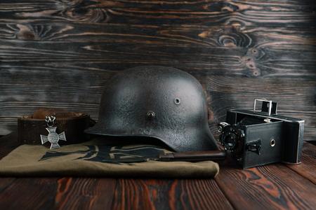 seconda guerra mondiale: Rusty german army helmet from second world war.