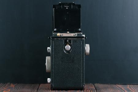 ロシア、モスクワ、2017 年 4 月 19 日古いドイツ判 TLR カメラ ツァイス イコン Ikoflex III (85216)、released1939。 報道画像