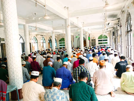 muslim peoples on the salat with Prayer in masque for allah 新闻类图片
