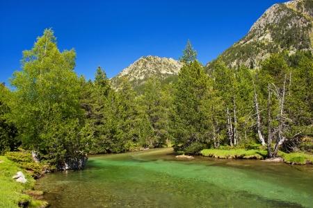 rivier in het nationale park Aiguestortes i Estany de Sant Maurici Stockfoto