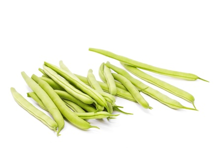 grünen Bohnen isoliert auf weißem Hintergrund