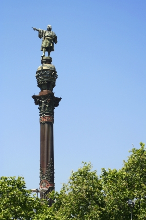 colonizer: Statue of Christopher Columbus in Barcelona, Spain