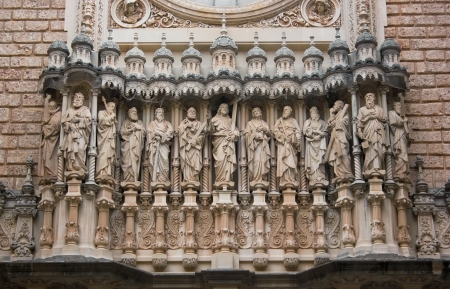 francesc: Main facade of Santa Maria de Montserrat monastery  Catalonia, Spain