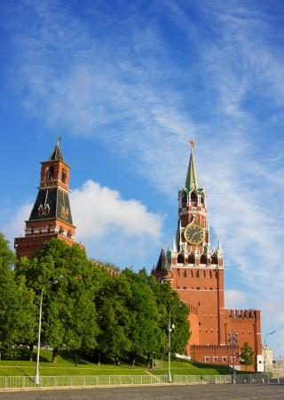 palacio ruso: Moscow Kremlin torre en la luz de la mañana Foto de archivo