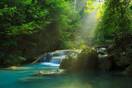 エラワンの滝、エラワン国立公園の景色をリラックス