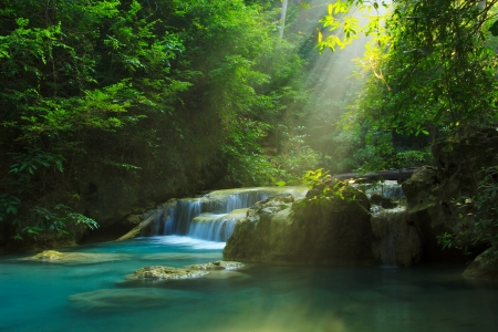 erawan: Relaxing view of Erawan waterfall, Erawan National Park