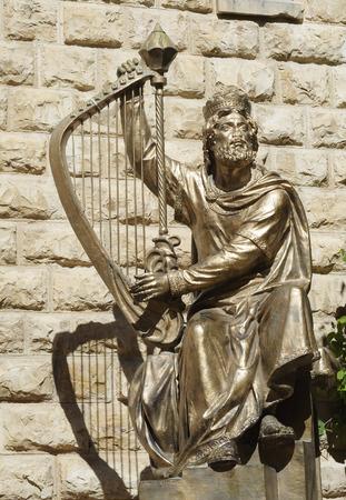 エルサレムの王 David の像