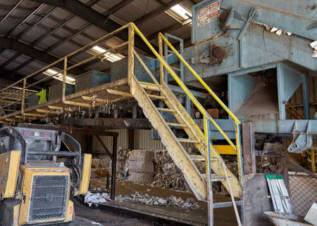 compacting: Paper compacting recycle plant machine
