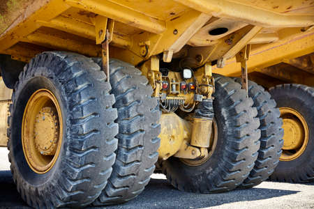 camion minero: El equipo pesado industrial minero de suspensión de camiones