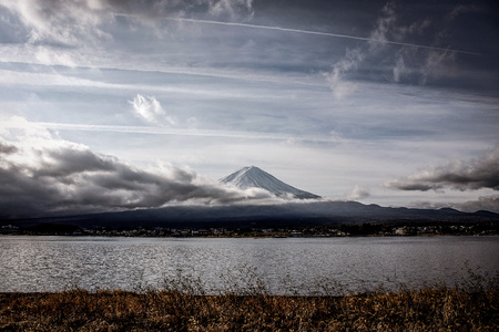 Mountain Fuji in japan 写真素材 - 100354621