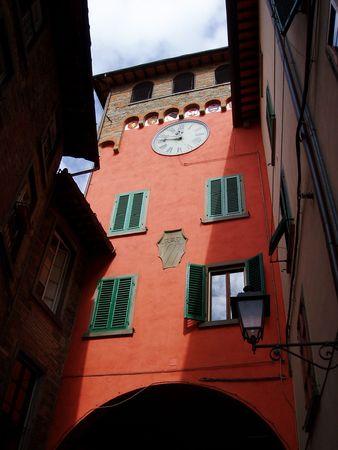 Zonovergoten gebouw in Toscane, Italië Stockfoto