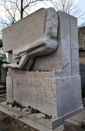 Oscar Wildes grave in Pere Lachaise cemetery Stock Photo