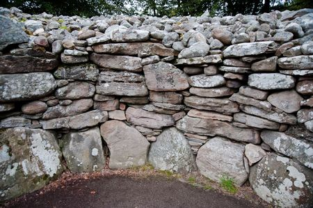 chambered: Wall of a chambered cairn at Balnuran of Clava