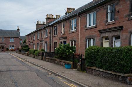 Residential street in Inverness, Scotland Standard-Bild