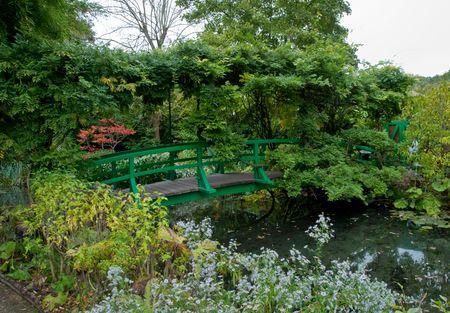 monet: Jard�n de Claude Monet y el estanque en Francia de Giverny Foto de archivo