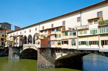 ponte vecchio: Ponte Vecchio bridge in Florence, Italy