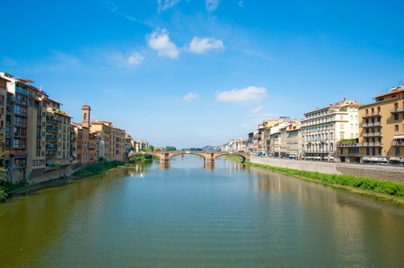 river arno: River Arno in Florence, Italy