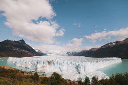 perito: The Perito Moreno Glacier stretches on for miles, winding through the snowy mountains - Argentina Stock Photo