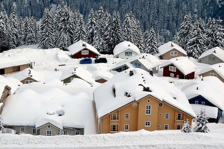Alpes: Flaine is the highest resort in one of the worlds largest lift-linked ski areas, the Grand Massif (Alpes, France)  The new Norwegian chalets are adorable. Stock Photo