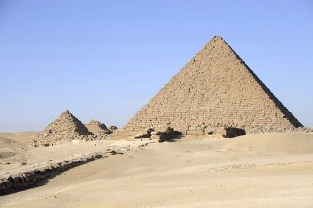 chephren: The last king to have built a pyramid at Giza was Mykerinos Stock Photo
