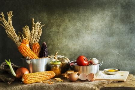 haciendo pan: bodegón hacer un pastel de calabaza, el maíz y el grano