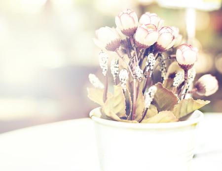 roses in vase: Vintage white flower bouquet in wedding