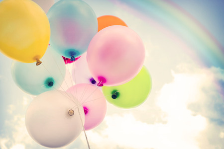 vintage colorful balloon with rainbow on blue sky concept of love in summer and valentine, wedding honeymoon Stock fotó - 41735792