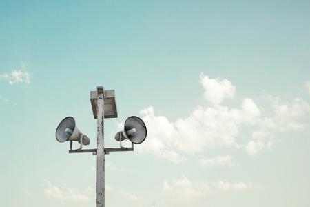 communication: mégaphones cru Banque d'images