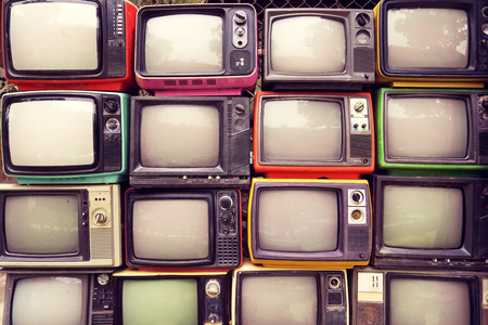 Pattern wall of pile colorful retro television (TV) - vintage filter effect style. 版權商用圖片 - 60643684