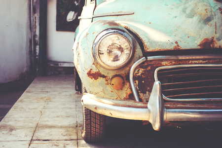 Headlight lamp of vintage car - retro color effect style 版權商用圖片