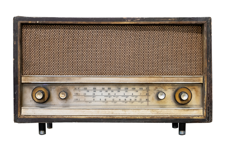 Ricevitore radio vintage - radio antica con scatola di legno isolata su bianco con tracciato di ritaglio per oggetto, tecnologia retrò Archivio Fotografico