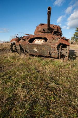 tanque de guerra: Rusty abandonados tanque de guerra militar