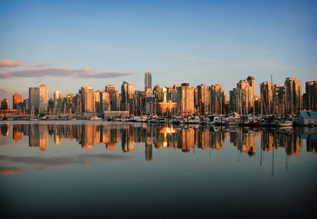 marina life: Vancouver skyline at dawn Stock Photo