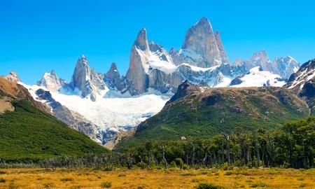 美しい自然の風景山フィッツでロイ ロスグラシアレス国立公園、パタゴニア、アルゼンチンで。