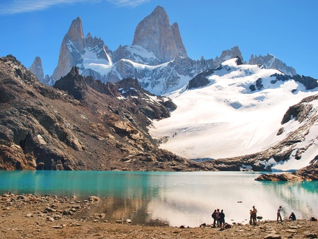 torres del paine: Beautiful Laguna de Los Tres with Mt Fitz Roy in the background as seen in Patagonia, Argentina