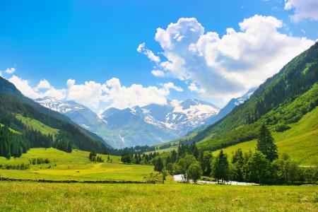 Hermoso paisaje con los Alpes en el Parque Nacional Hohe Tauern, Salzburgo, Austria Foto de archivo - 14716428