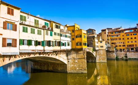 vechio: Famous Ponte Vecchio at sunset in Florence, Italy