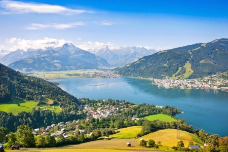 kaprun: Beautiful view of the city of Zell am See with Zeller Lake in Salzburg, Austria