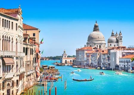 Canal Grande en de Basilica di Santa Maria della Salute, Venetië, Italië Stockfoto