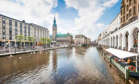 hamburg: Beautiful view of the city center of Hamburg, Germany